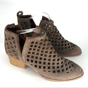 JEFFREY CAMPBELL TAGGART SUEDE TAUPE CUT BOOTIES 7